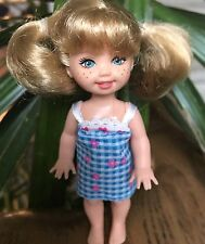 1994 Kelly Doll Medium Blonde Hair freckles Toothy Smile Blue Eyes Euc
