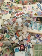 FOREIGN STAMP MIXTURE LOT OVER 800 + USED  WORLDWIDE STAMPS