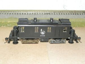 Roundhouse HO Jersey Central Powered Box Cab Track Cleaner Runs, Needs Tune-up