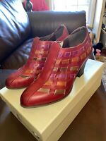 L'Artiste Spring Step Brilliance Camel Multi Leather Booties 39 US 8.5 M Far Red