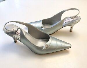 Dyeables Satin Bridal Formal Heels Woman Size 7.5B Rhinestone Detail Aqua