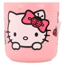 Cuencos, platos y vasos de color principal rosa para niños