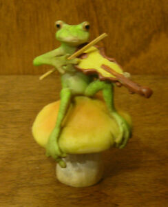 Top Collection Enchanted Story Fairy Garden #4010 FROG PLAYING FIDDLE