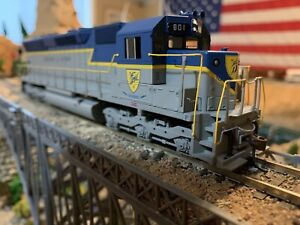 HO Scale Athearn SD45 Delaware & Hudson DCC and Sound Ready Diesel Locomotive !