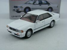 '87 Nissan Cedric GT SV in Weiss,Tomytec Tomica Lim.Vint.Neo LV-N171b,1/64