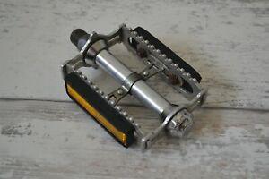 """Vintage Lyotard 460D 9/16"""" Flat Platform Pedal - Left Pedal Only with Reflectors"""
