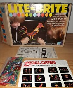Vintage LITE-BRITE  1978 Hasbro Original Box, PEG s and Sheets. Works.