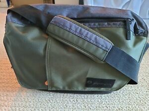 Manfrotto Street Large Messenger Bag for DSLR/CSC Camera, Green Gray #MBMSMBIGR