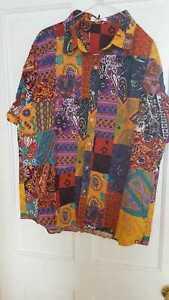 Long sleeved bright patterned men's shirt XL