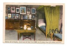 intérieur de la chambre ,lit de mort du saint curé d'ars ,avec les mêmes draps .