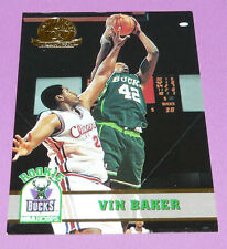 VIN BAKER BUCKS MILWAUKEE ROOKIE SKYBOX 1993-1994 NBA BASKETBALL CARD