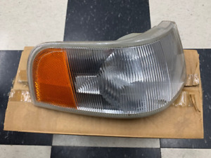 Volvo 9178230 Left turn signal assembly.