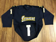 MENS XL -  Vtg Connecticut Clippers #11 Sewn On Fight Strap Hockey Jersey USA