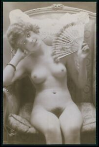 French full nude woman fan wth feathers original c1910-1920s photo postcard
