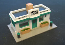 TINY'S DINER - N-905 - Easy to build N Scale kit by Randy Brown