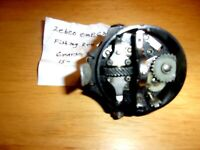 ZEBCO OMEGA FISHING REEL HOUSING CENTER WITH GEARS-FREE SHIPPING IN USA-RARE VIN