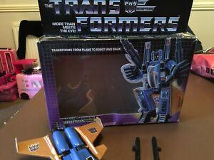 Hasbro Transformers - Decepticon Jet DIRGE inc. all parts and box 1985