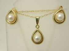 NEAT 9CT YELLOW GOLD SINGLE PEARL SET - PENDANT CHAIN MATCHING EARSTUDS EARRINGS