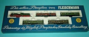 Fleischmann Zugset KPEV Personenzug mit P8 & 4 Personenwagen in OVP 7880 Top!