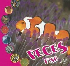 Peces: Fish (Que Es Un Animal? Biblioteca Del Descubrimiento/What Is-ExLibrary