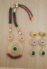 Bollywood Style Doré Indien Mala Set Boucles d'oreilles Collier Set