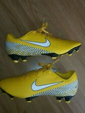 MENS NIKE MERCURIAL PRO FOOTBALL BOOTS SIZE 6