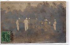 INDOCHINE HANOI carte photo Aprés les exécutions l'inhumation au poste de garde