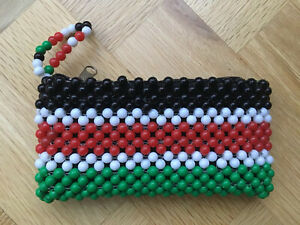 VINTAGE BLACK RED GREEN WHITE PLASTIC BEADED PURSE MOBILE PHONE CASE Clutch Bag