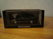 Mercedes E-klasse  W124 coupe 1:43 Mnichamps