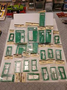 C & S Scale Industries LTD. G Walls Doors and Window's (23 pieces)