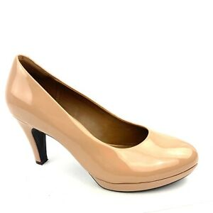 CLARKS Collection 'Brier Dolly' Nude Patent PU Platform Classic Pumps Size 8.5 M