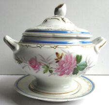 Soupière de dinette sur plat rond, porcelaine de Paris, décor floral et Or fin