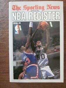 1990-91 The Sporting News TSN Official NBA Register David Robinson on the Cover
