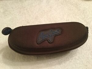 Maui Jim Brown Soft Clam Shell Zipper Style Sunglasses Eyeglasses Case Belt Clip