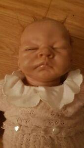 "Linda Webb Künstlerpuppe ""Baby EMILY"" Vinyl Puppe"