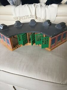 Thomas The Train Wooden Railway Shed Roundhouse Station