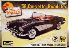 1958 CHEVROLET CORVETTE ROADSTER California wheels, 1:25, REVELL 4325