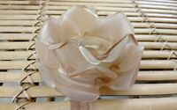 1 TULIPE EN FORME DE ROSE LUMINAIRE LUSTRE DIAM 11,5 cm haut :  6 cm  rose beige