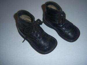 """Antique Children's Lace Shoes~5"""" Long~3"""" High"""