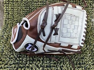 "New Wilson A900 12"" Fastpitch Softball Glove WTA09RF1812 RHT right hand throw"