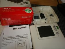 honeywell dt90e 1012 digital room thermostat with eco feature