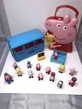 Peppa Pig Bus, 14 Figures, School Accessories and Carrying Case