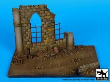 Black Dog 1/72 Cathedral Ruin Section Diorama Base (150mm x 100mm) D72016