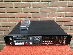 TEAC V-800G-F NTSC Professional Hi8 Video8 HiFi PCM 4ch *free shipping*