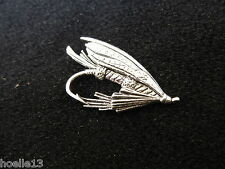 Fliege F29 / Fliegenfischen / Fisch / Angelköder / Anstecknadeln / Hutanstecker
