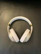 Beats by Dr. Dre Beats Studio 2 Wireless Over the Ear Headphones Gold/White