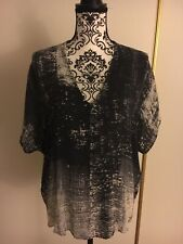 Vince Silk Top Blouse V-neck black white Cap Sleeve Size L