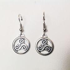 Boucles d'oreilles pendentif Triskel symbole de la Bretagne et du monde celte