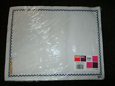 More details for job lot 15 x 500 white disposable paper placemats tray cover 32x42cms (7,500)