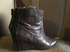 FRYE Carson Wedge Bootie Taupe size 6.5 M